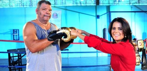 adriana-araujo-da-record-entrevistou-o-ex-pugilista-adilson-maguila-um-dos-principais-nomes-do-boxe-brasileiro-dez12-1355518267144_615x300