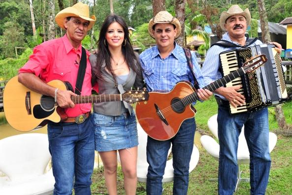 Stephanie Junqueira e Trio Parada Dura - Creditos Luiz Ribeiro (baixa)