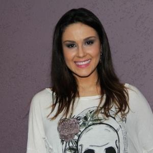 nadja-haddad-apresentadora-1344286977752_300x300