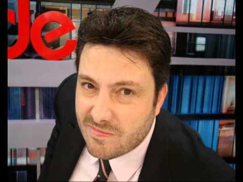 Danilo Gentili estaria em negociações com o SBT