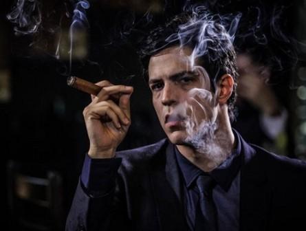 Matheus Solano interpreta vilão Felix em Amor à Vida