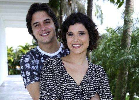 Guilherme Boury e Manuela Dumonte formam par romântico em Chiquititas