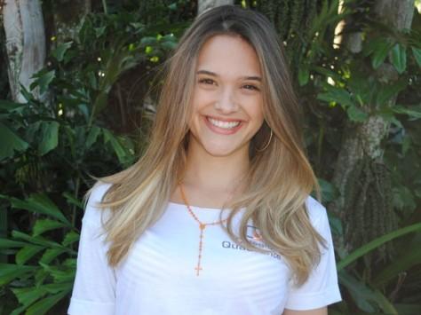 Juliana Paiva renova contrato com a Globo