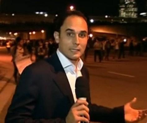Globo usa microfone sem o logo da emissora durante cobertura de protestos