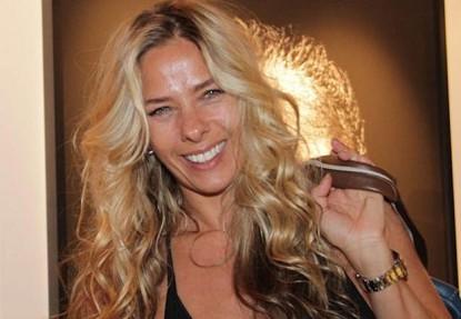 Adriane Galisteu adia negociações com emissoras de televisão para 2014