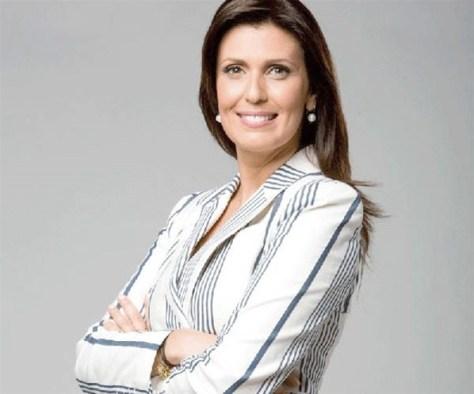 Janine Borba volta à apresentação do Domingo Espetacular