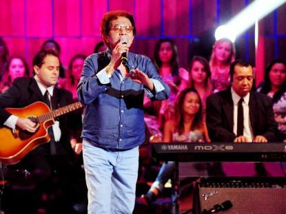 Morre o cantor Reginaldo Rossi aos 69 anos, vítima de câncer do pulmão