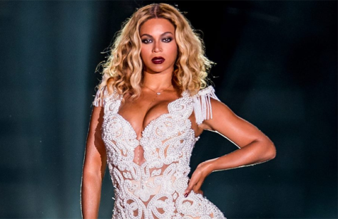 Álbum homônimo de Beyoncé fica em primeiro lugar na Billboard por três semanas