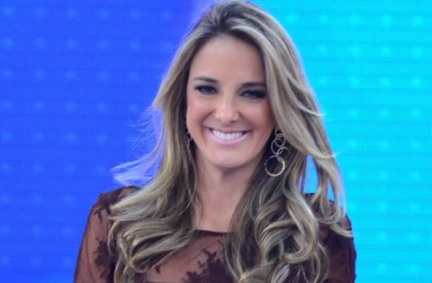 Record renova contrato com Ticiane Pinheiro