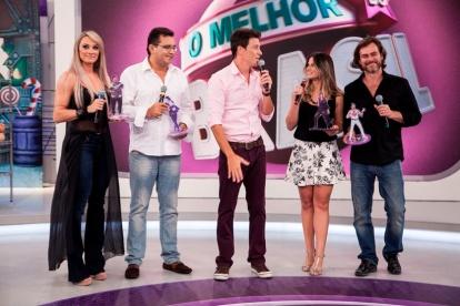 Rodrigo Faro promove competição no Famosos.com