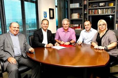 Glen Valente, José Roberto Maciel, Otávio Mesquita, Fernando Pelegio e Maria Antonieta Mesquita (Foto:Lourival Ribeiro/SBT)